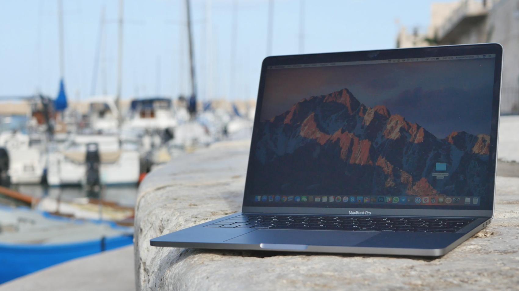 Recensione MacBook Pro 13″ con Touch Bar: il prezzo dell'innovazione è la praticità