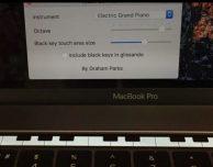 Suonare il pianoforte con Touch Bar Piano sui nuovi MacBook Pro