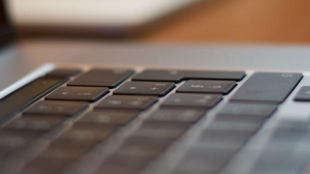 MacBook Pro 16 pollici - tastiera 3