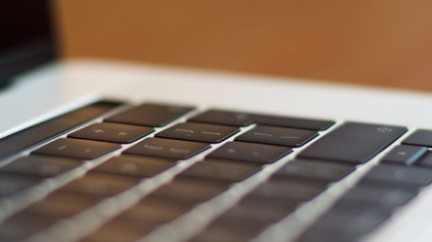 MacBook Pro 16 pollici - tastiera 4